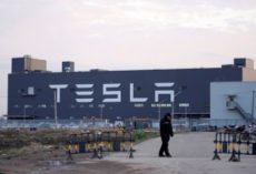 Tesla has 'key advantage' over different automakers, investigator says